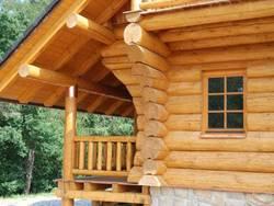 Деревянные срубы: кислородный баланс между домом и улицей