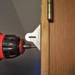 Как установить межкомнатную дверь, чтобы не было мучительно стыдно за свои руки
