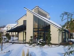 Необходим ли специальный уход за окнами зимой?