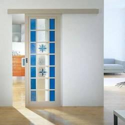 Обновление и декорирование старой внутриквартирной двери