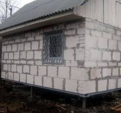 Строим дом: пеноблок на сваях