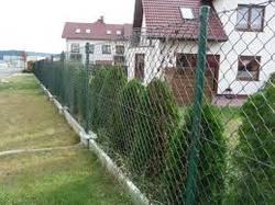 Забор из сетки Рабица. Достоинства и недостатки