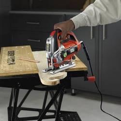 Знакомимся с хозяйственным инструментом – лобзиком