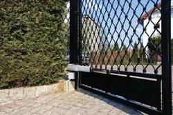 Какую работу следует проводить с автоматическими воротами весной?