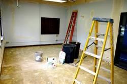 Косметический ремонт квартиры: делать самому или довериться профессионалам?