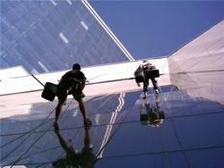 Уход за окнами на высоте, или промышленный альпинизм на пятерку