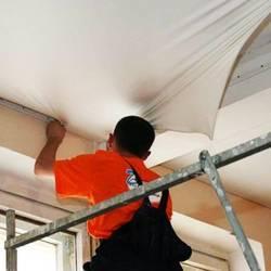 Установка натяжных потолков: подготовка, комплектующие, видеинструкция
