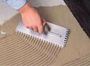 Как правильно клеить плитку