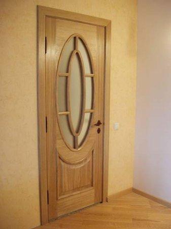 Межкомнатные двери из натурального дерева