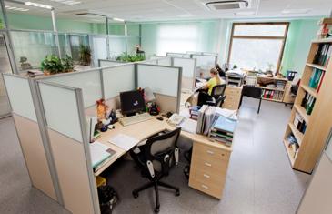 Перегородки для офисов: эффективное зонирование пространства