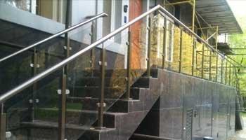 Поручни для лестниц из нержавеющего материала