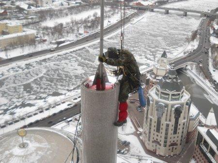 Применение промышленных альпинистов при фасадных работах