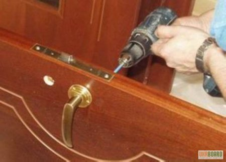 Устанавливаем межкомнатные двери