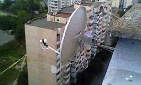 Установка антенн на крыше дачи