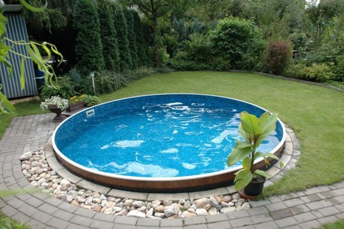 Самостоятельно строим стационарный бассейн на даче