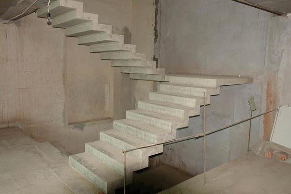 О монтаже бетонных лестниц