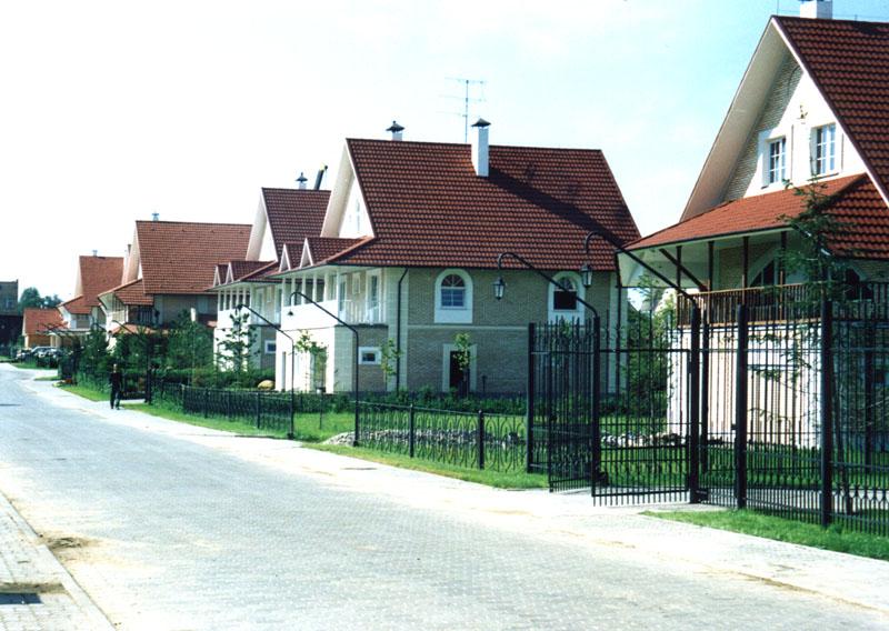 Коттеджные посёлки и особенности их строительства