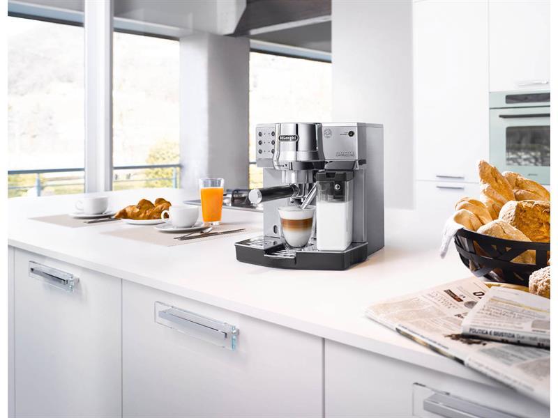 Кухонная мебель для обеденной зоны.