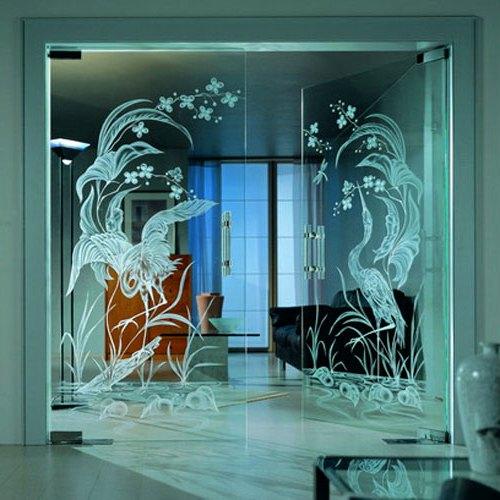 Двери из стекла: правила выбора