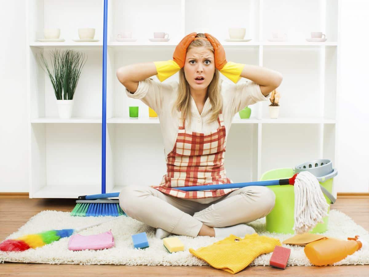 Куда бежать и что делать, если нужна уборка жилья или химчистка мебели
